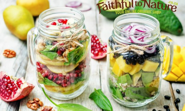 Healthy Packed Lunch Idea: Salad in a Jar