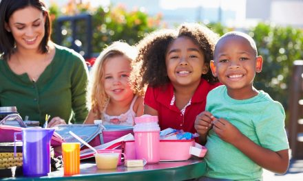 Keep your Kids' School Lunches Healthy in 2015