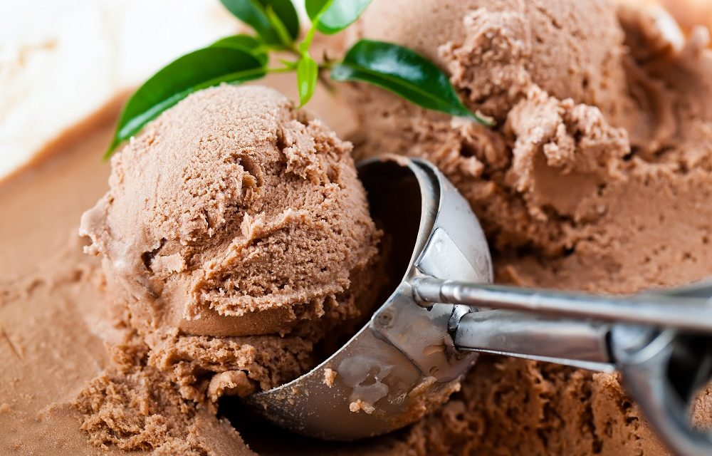 Banting chocolate ice cream recipe festive four ingredient banting chocolate ice cream ccuart Image collections
