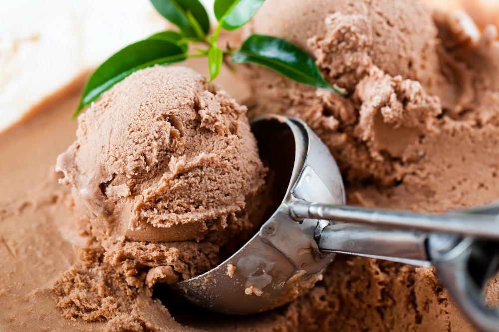 Festive Four-Ingredient Banting Chocolate Ice Cream