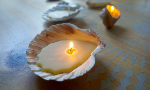Easy Eco Beeswax Seashell Candles