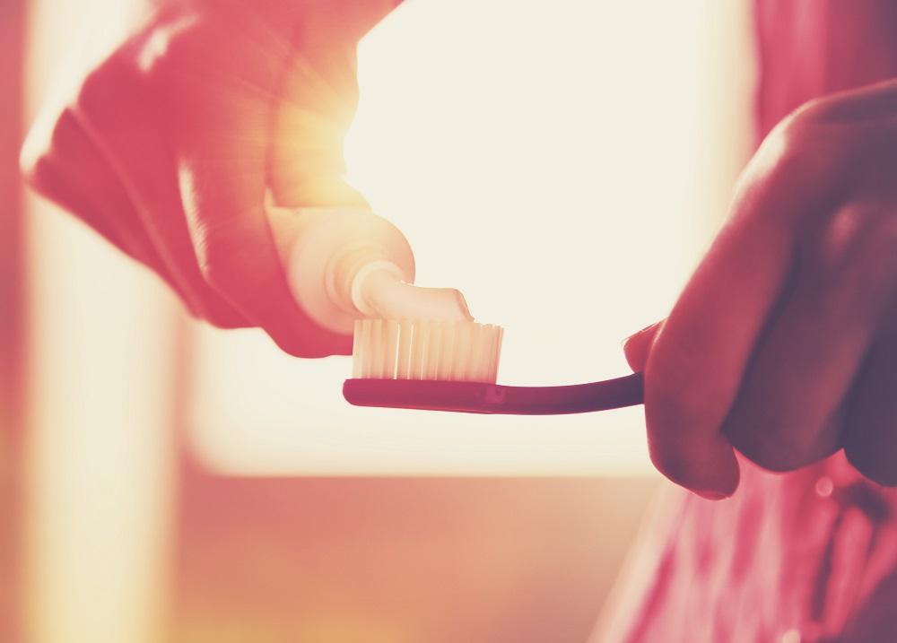 Flouride toothpaste_web