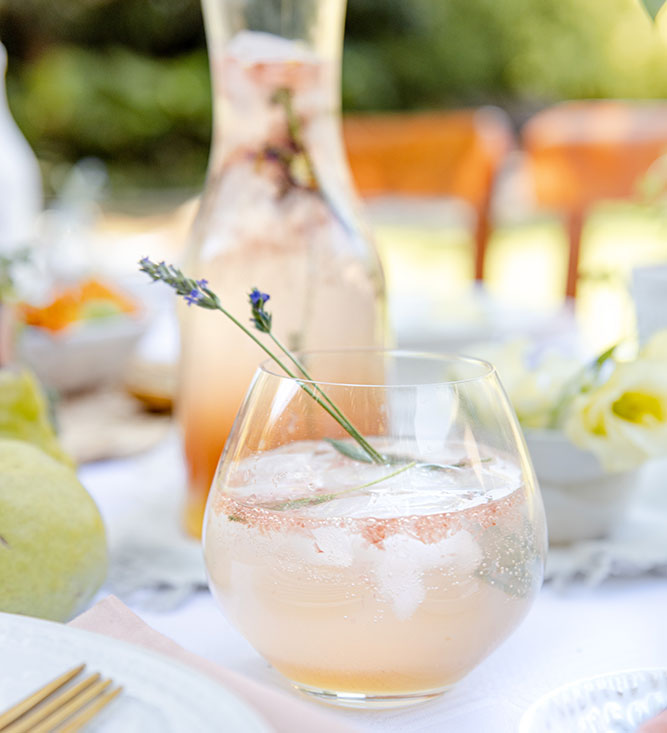 Harvest-table-Mocktail