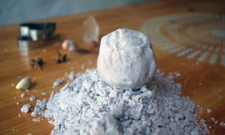 Moon Sand: The Easiest DIY Kinetic Sand to Keep Kids Happy for Hours