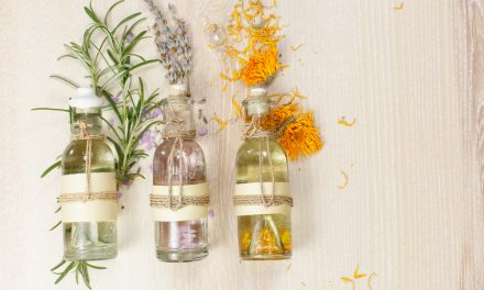 Q&A with Le Riche Naturals: Making Your Own Perfume with Essential Oils
