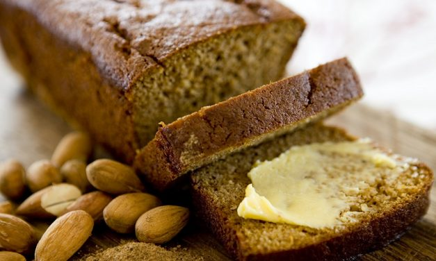 Ontbijtkoek: Honey & Cinnamon Spiced Breakfast Cake