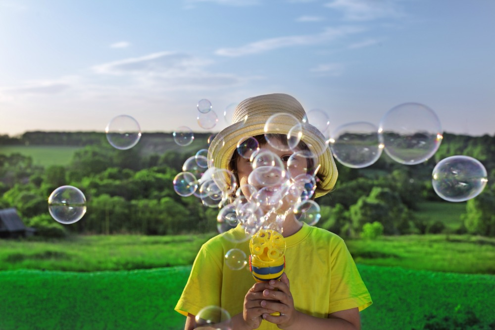 Make Your Own Organic Blowing Bubbles