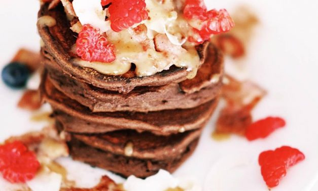 (Super Easy) Chocolate and Banana Protein Pancakes