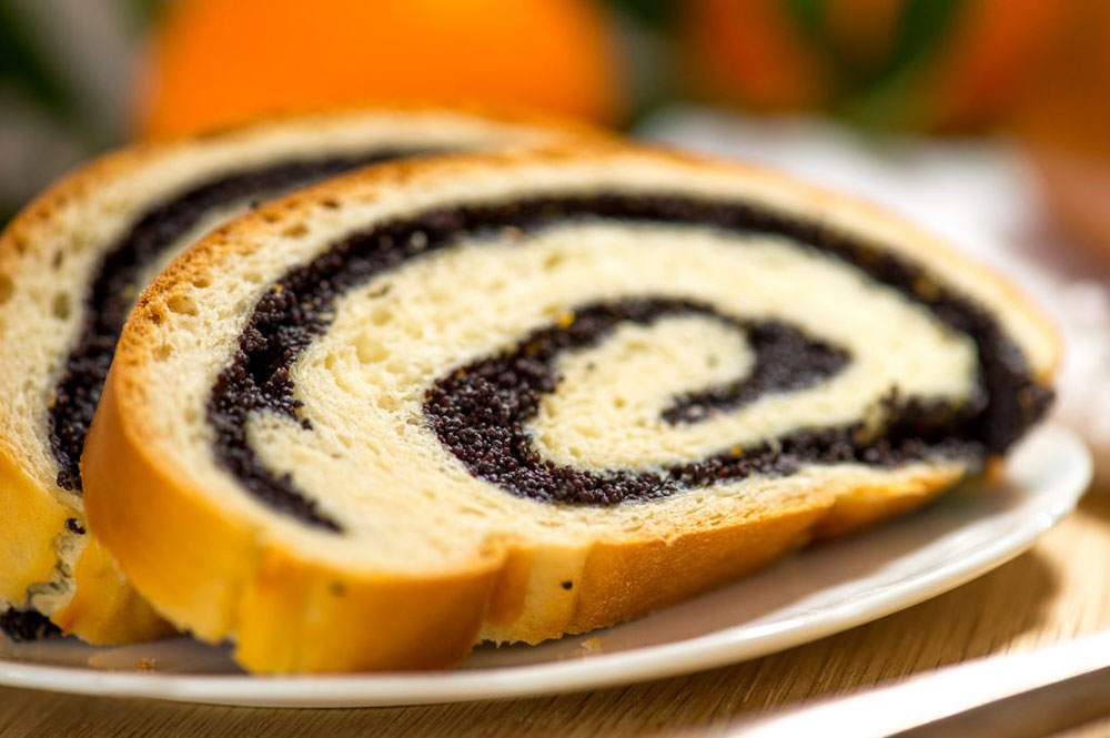 Poppy-Seed-Roll-by-The-Sweet-Rebellion_web2