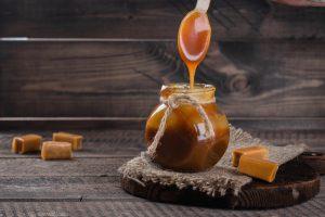 Raw Chocolate Caramel Dip for a Fruit Fondue