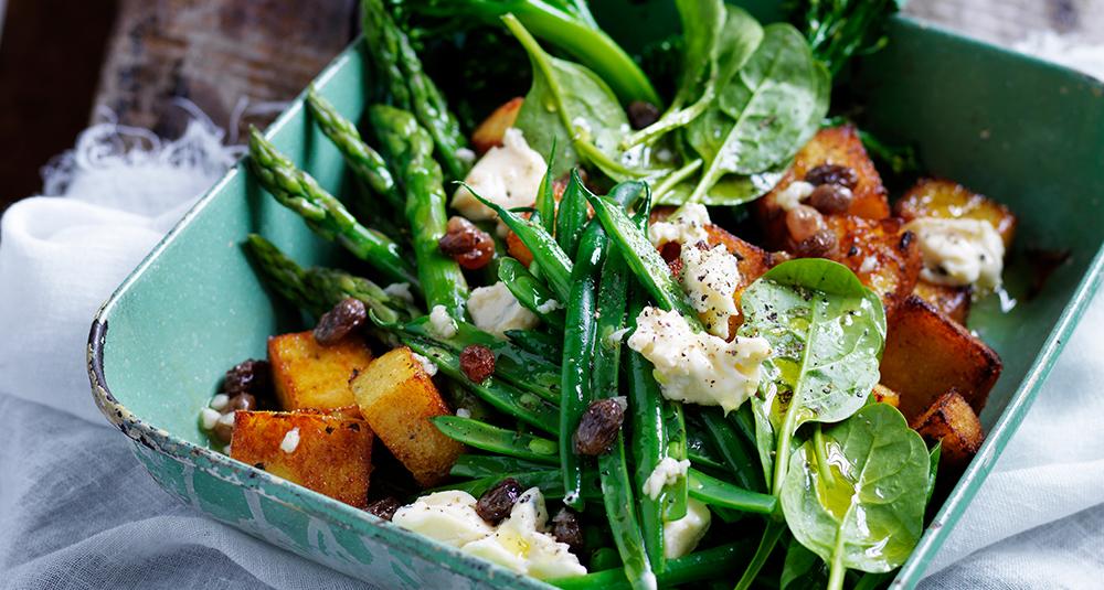 Supergreens Salad With Polenta Croûtons