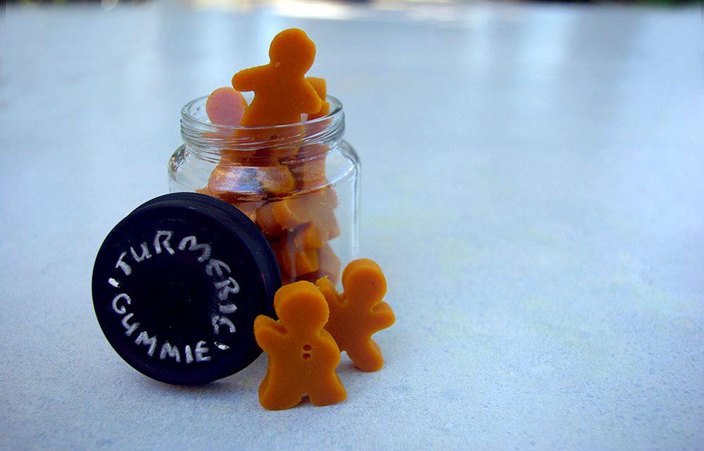 How to Make Your Own Homemade Vegan Turmeric Gummies