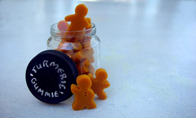 How to Make Your Own Homemade Vegan Turmeric Gummies