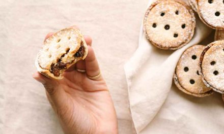 Vegan Mince Pies for Festive Feasting