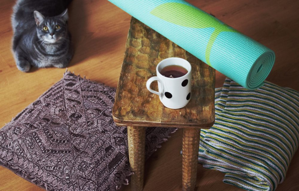 How to Set Up a Home Yoga Practice: Q&A with Che Dyer