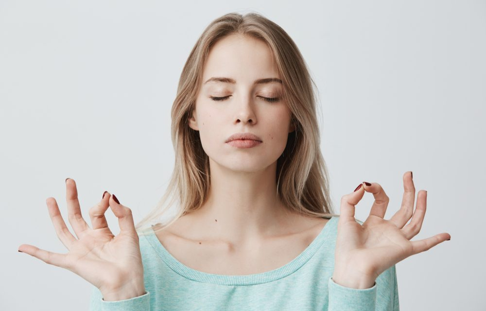 What the Heck is Face Yoga? And Why You Should Add it to Your Daily Practice